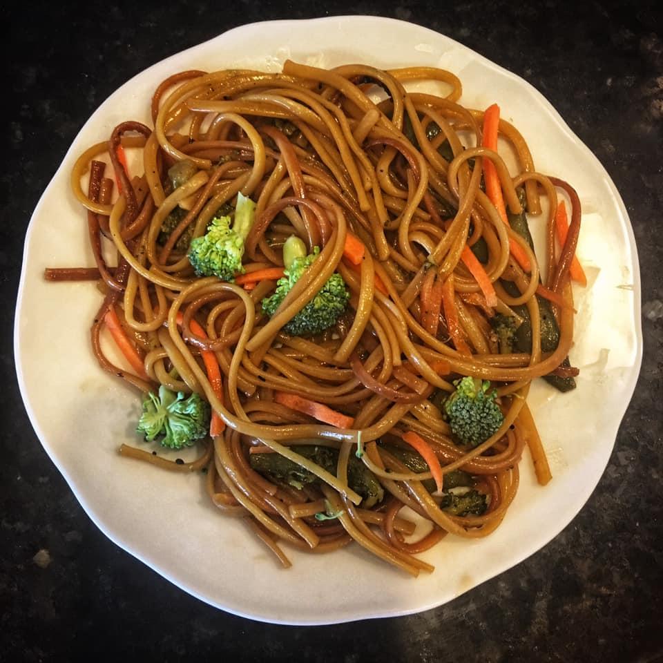 Veggie Lo Mein in Instant Pot