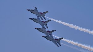 USAF Thunderbirds at Great Pacific Airshow 2019