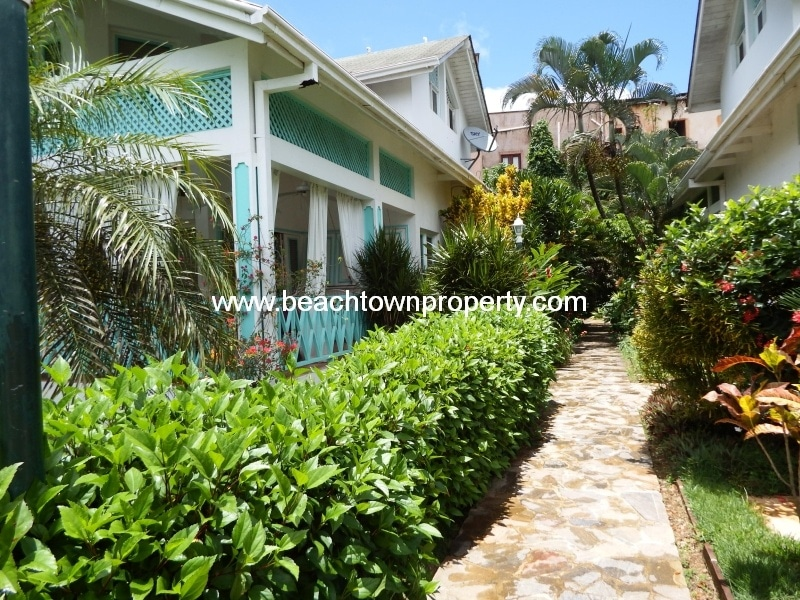 Las Terrenas house in Tropical gardens