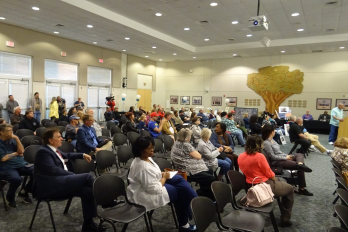 The crowd at Deltona's Jan. 28 special meeting called to act on City Manager Jane Shang's resignation.