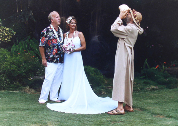 Hawaiian Weddings at Pukalani Falls, blowing of the Conch Shell