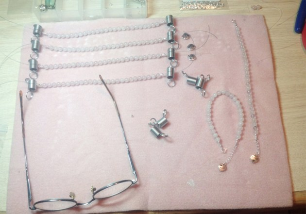 Rose quartz bracelet assembly