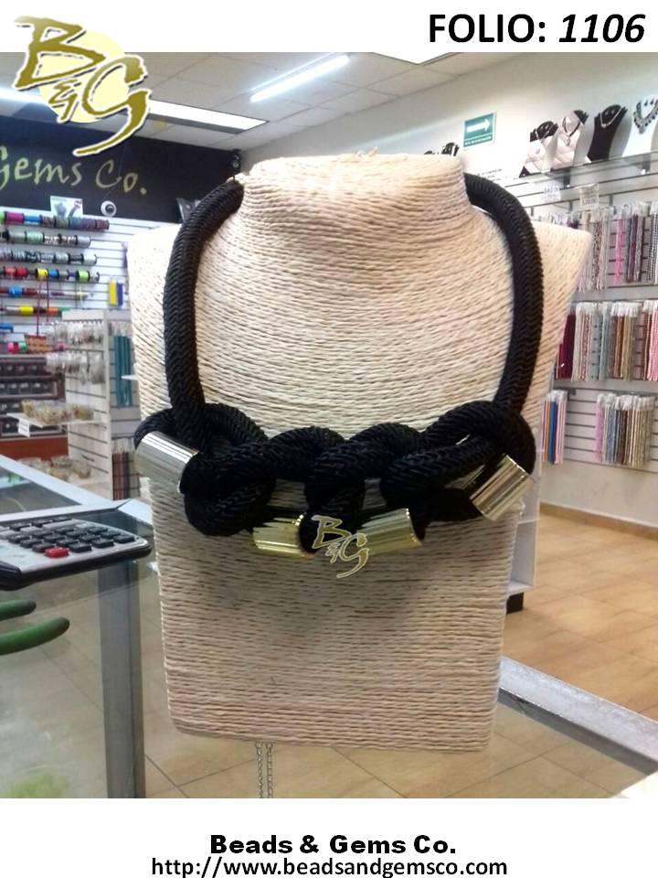 47976bc50793 collar-nudos-con-separadores-cordon-trenzado-negro