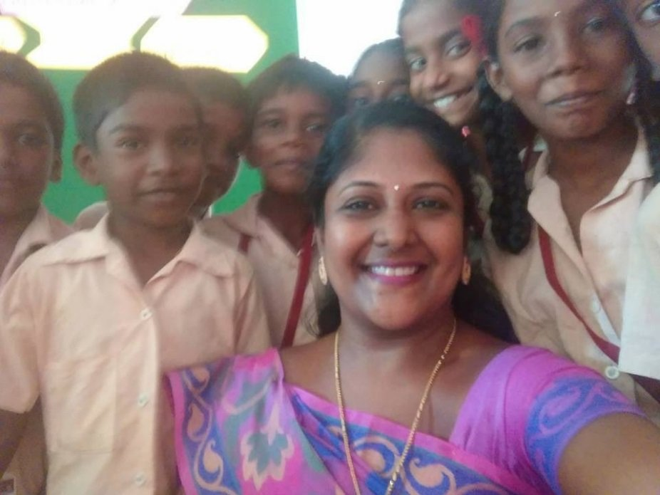 Annapurna-Mohan-The-amazing-Teacher-who-sold-her-Jewellery-for-her-Students-Be-An-Inspirer