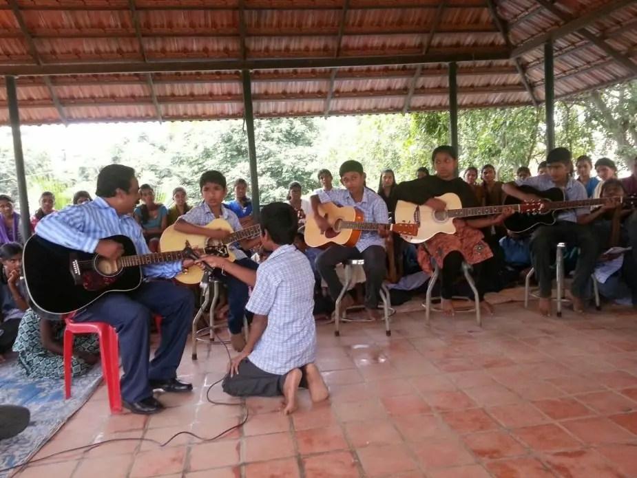 Padmaja-Ramamurthy-APSA-Dream-School-Music-Class-Be-An-Inspirer