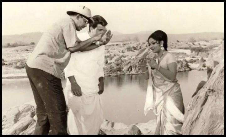 Hrishikesh-Mukherjee-with-Dharmendra-and-Sharmila-Tagore-Be-An-Inspirer