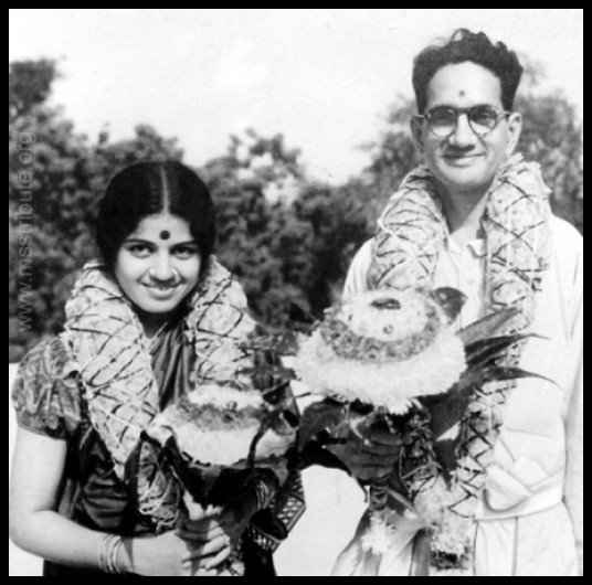 M.S.-Subbulakshmi-with-her-husband-Kalki-Sadasivam-Be-An-Inspirer