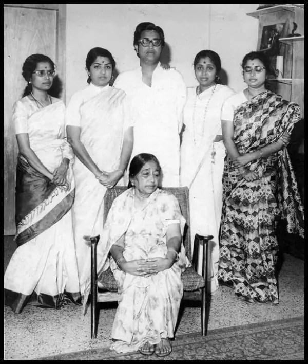 The-Mangeshkar-Family-Be-An-Inspirer
