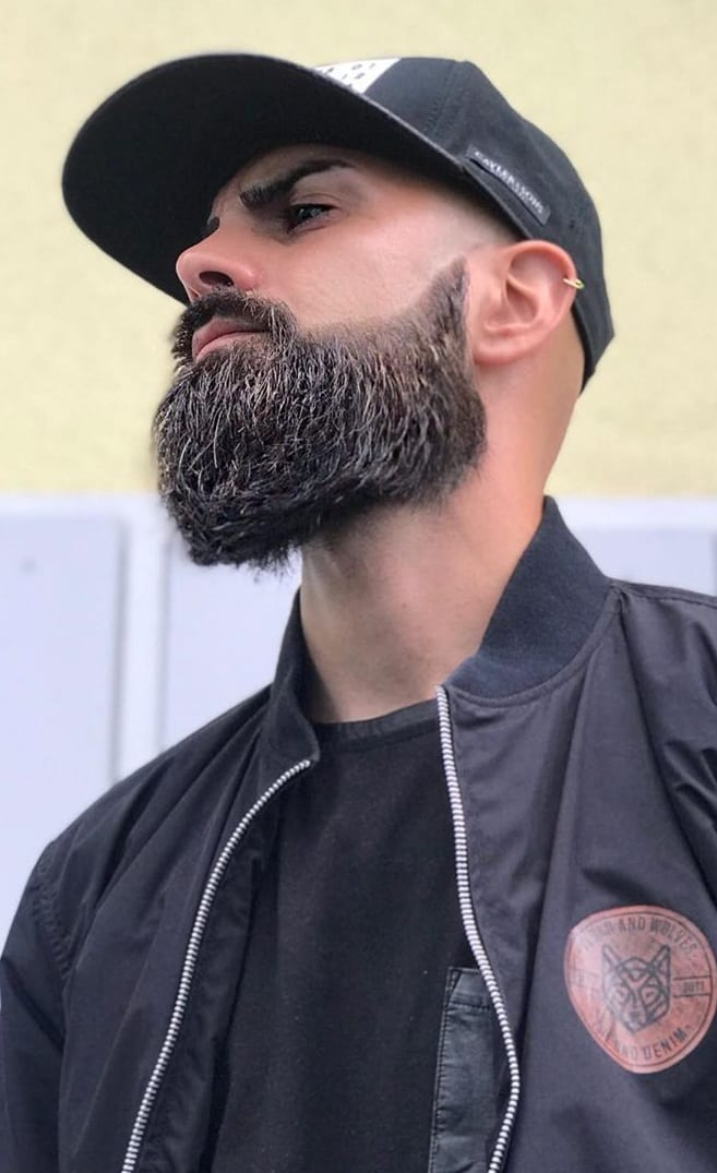 Perfect Neckline Trimmed Beard Style
