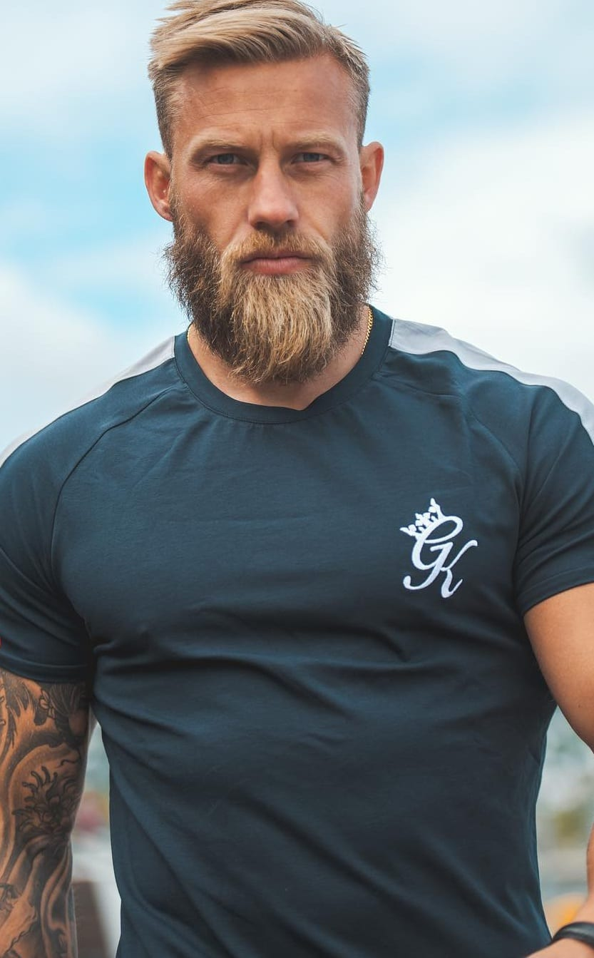 6 Reasons Why You Should Opt For Duck tail Beard Look