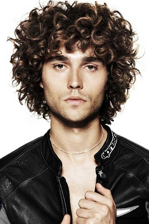 curly-hair-with-black-jacket