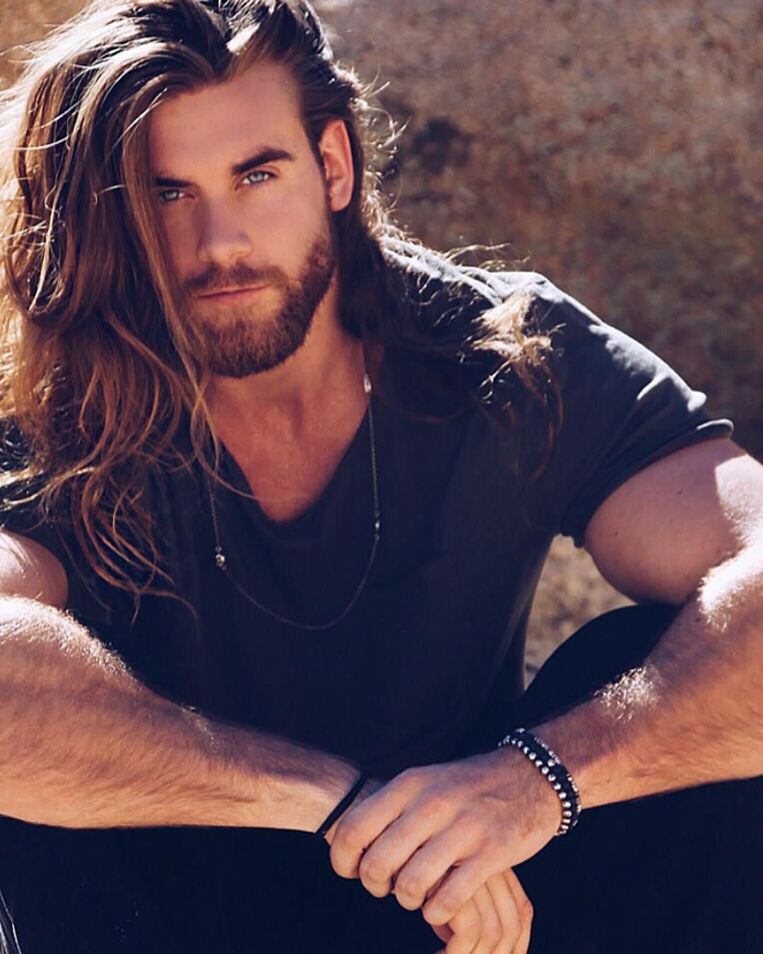 long-hair-long-stubble