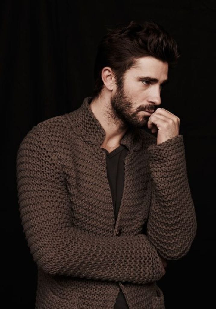 stubble-beard-look-with-sweater