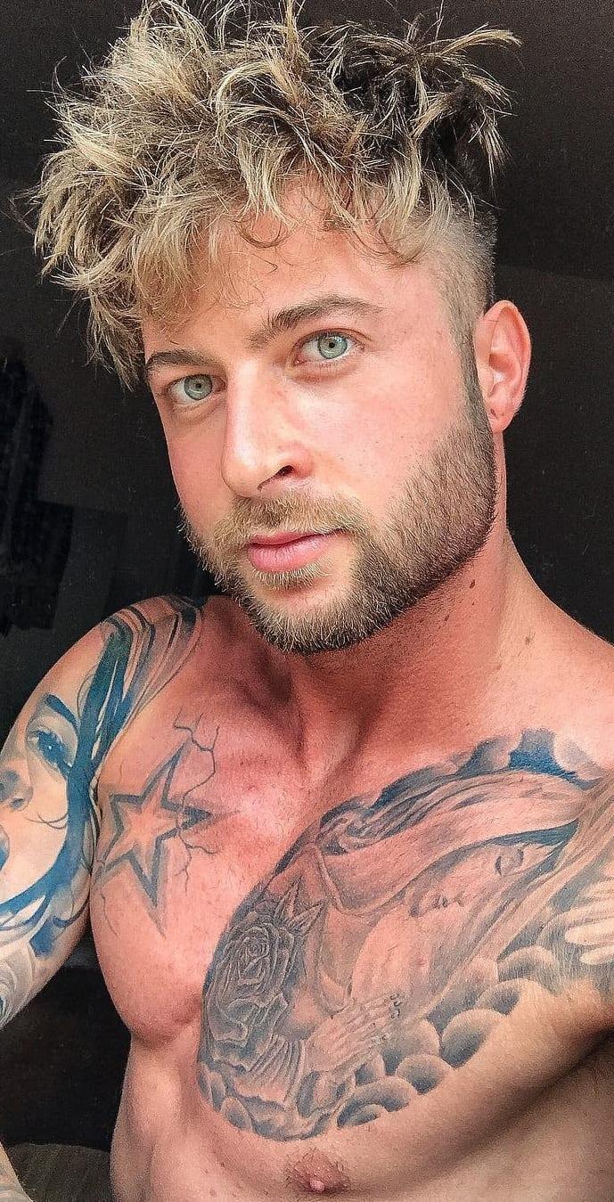 Short boxed beard for men
