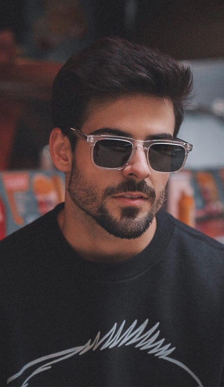Short stubble beard style for 2020