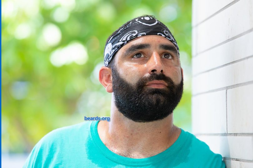 Chris: beard thick and strong, image 5