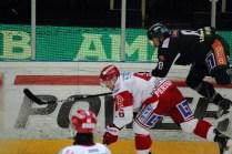 2012_96 - Sanny Lindström testar vingarna