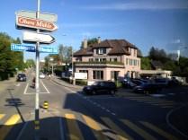 En vägkorsning i Zürich