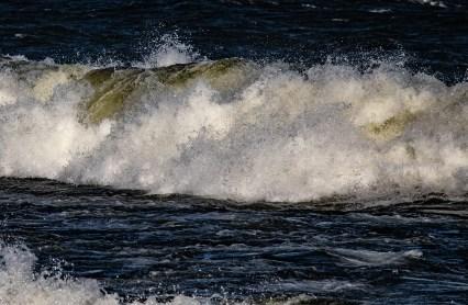 180810-174616-waves-1D8A7398