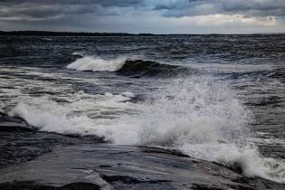 200705-192824-waves-1D8A3851
