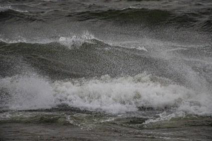 200705-192835-waves-1D8A3867
