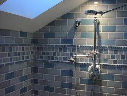 How to remove limescale from tiles using natural products
