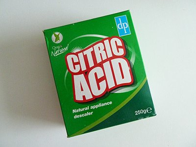 How to remove limescale from a toilet using citric acid