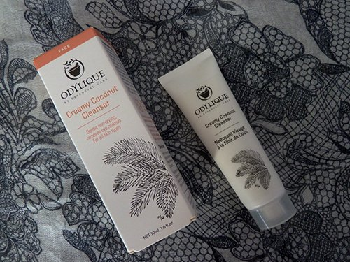 Review: Odlylique Creamy Coconut Cleanser