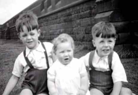 Paul McCartney childhood photograph, 1940s