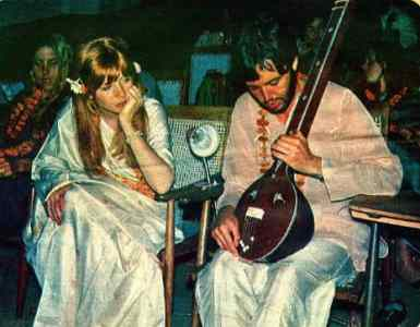 Paul McCartney and Jane Asher in India, 17 March 1968