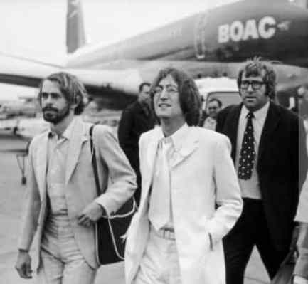 John Lennon, Magic Alex (Alexis Mardas) and Mal Evans, 1968