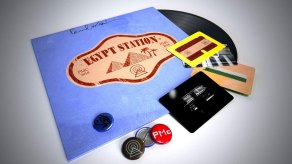 Paul McCartney –Egypt Station vinyl with postcards and badges