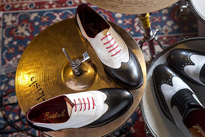 Oxfords blanco y negro por Beatnik Shoes