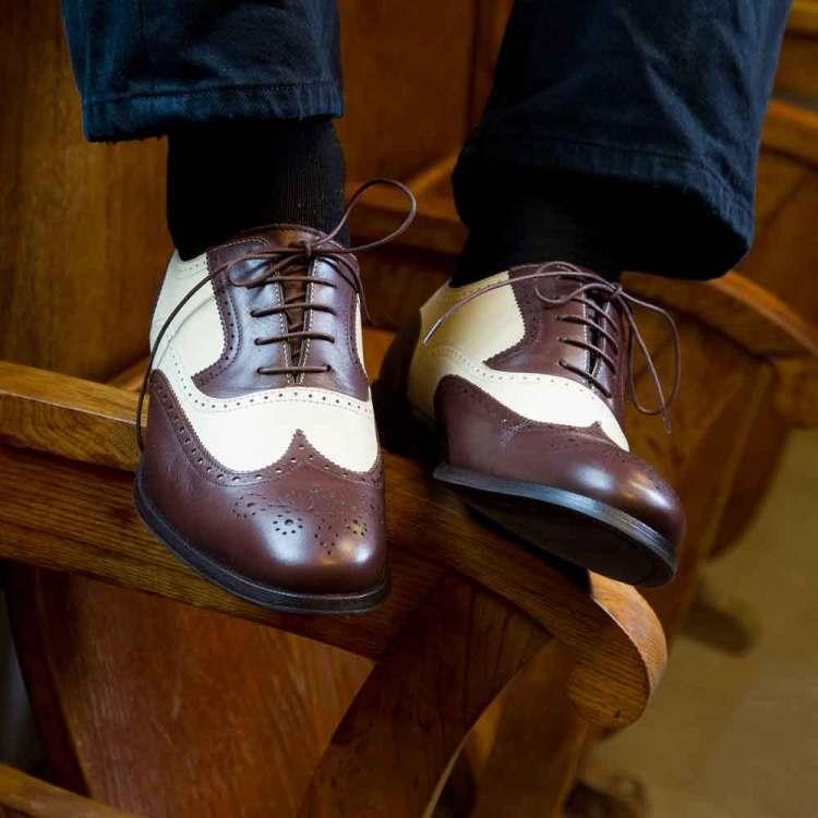 Zapatos Oxford bicolores marrón y beige para hombre Holmes Beige & Brown hecho a mano por Beatnik Shoes