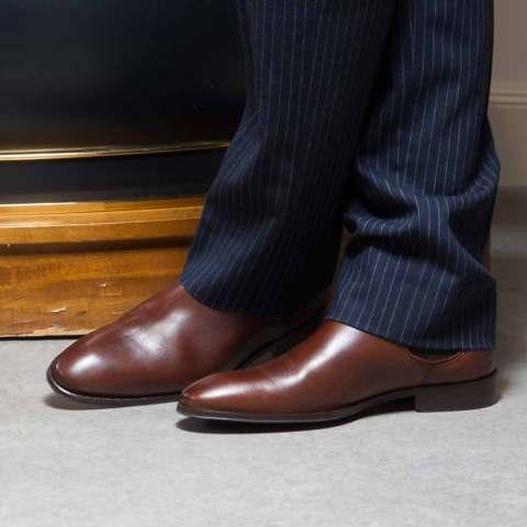 Botines Chelsea para hombre Cassady Brown hechos a mano en España en piel de becerro marrón por Beatnik Shoes