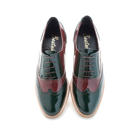 Handmade in Spain female Oxfords in patent leather