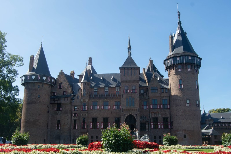 The front of the De Haar Castle