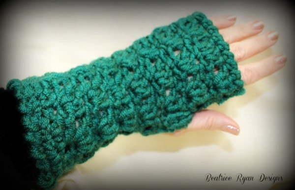 Amazing Grace Fingerless Glove ~ Free Crochet Pattern
