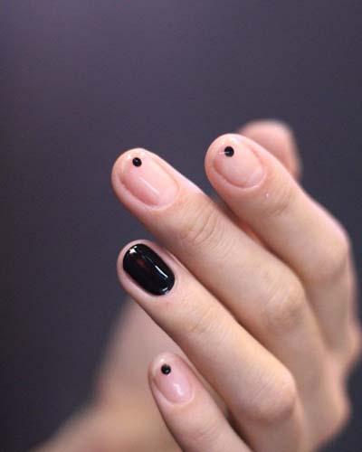Κομψά και διακριτικά σχέδια για νύχια (33)