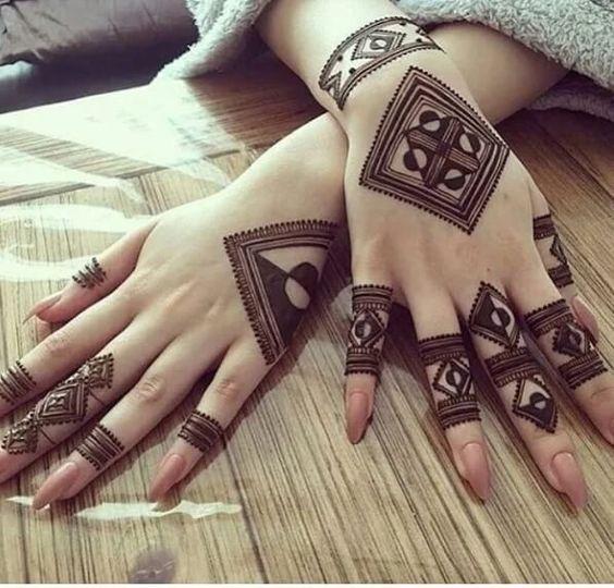 2-Part Intricate Arabic Mehndi Design