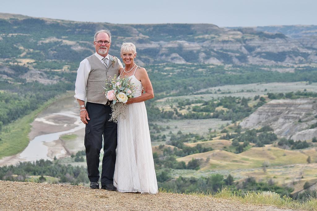 Wedding Small Beautiful Badlands Nd