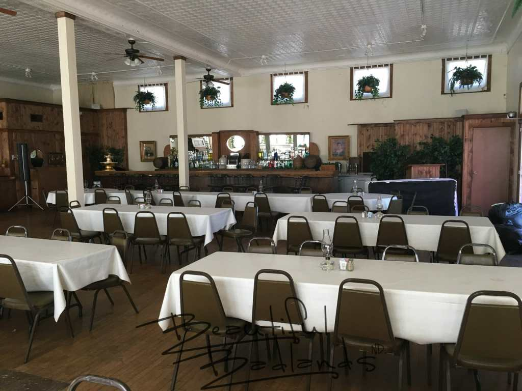 fine dining tablecloths banquets Killdeer Buckskin