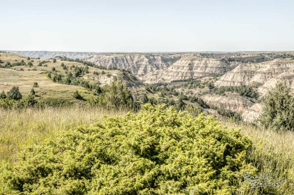 hot hike badlands valley