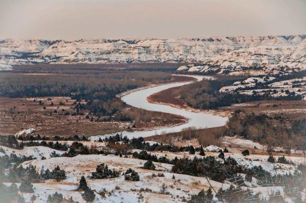 little missouri river badlands dusk