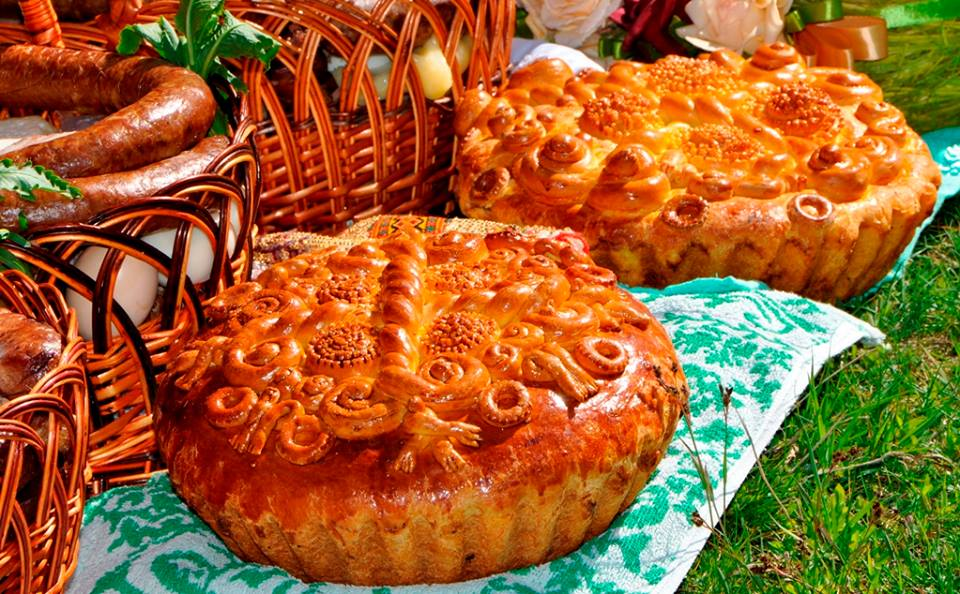 This Ukrainian Easter Bread Will Delight You! Paska!