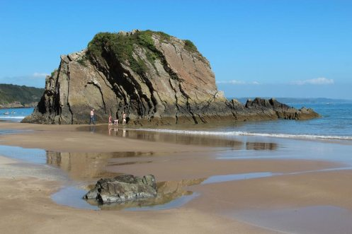 Goskar Rock, North Beach, Tenby