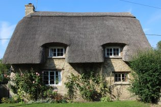 Thatched cottage, Minster Lovell