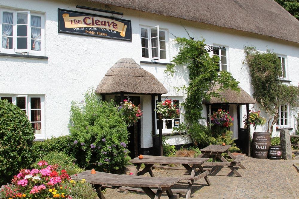 The Cleave pub, Lustleigh