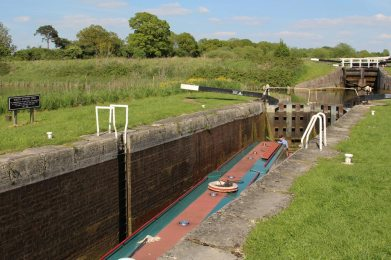 Narrowboat, Caen Hill Flight Lock, Youth Division Lock 29, Kennet and Avon Canal, Rowde