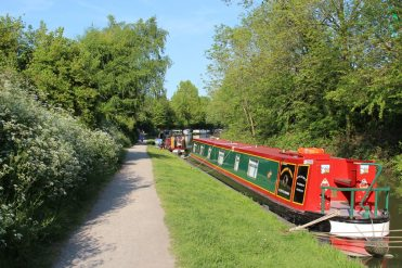 Narrowboats moored alongside towpath, Kennet and Avon Canal, Devizes